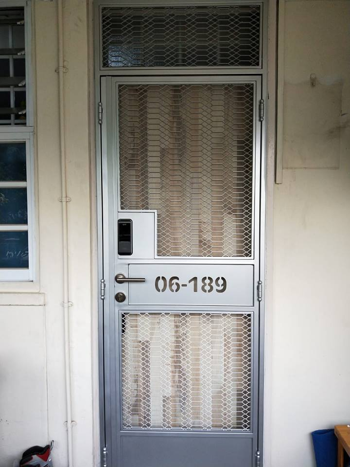 Bear Bear Fire Rated Hdb Main Door With Retro Mesh Gate